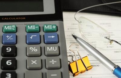 Как распечатать счет фактуру в 1С?